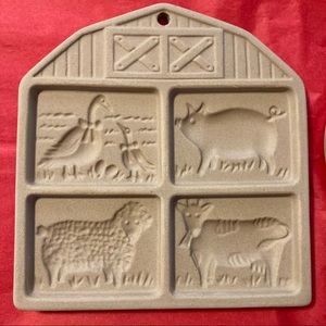 Pampered Chef Stoneware - heart and farmyard molds